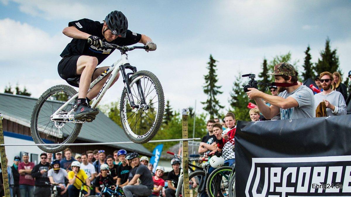 Dirt und BMX Fahrräder